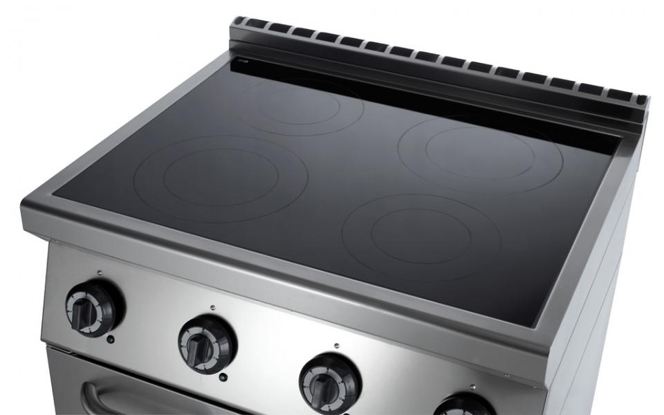 Cucina vetroceramica 4 zone su forno statico elettrico - Cucina a induzione ...
